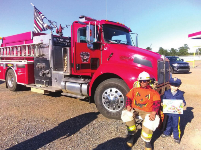 Central Sabine Fire gives Halloween treats