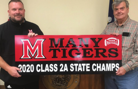 Tigers honored with new signage